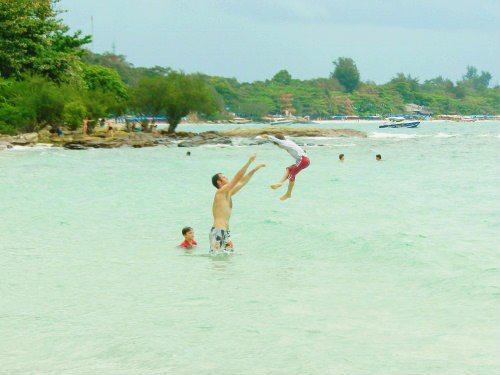 Koh Samet Tub Tim resort beach