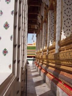 Wat Arun Bangkok beautiful decoration in porcelain