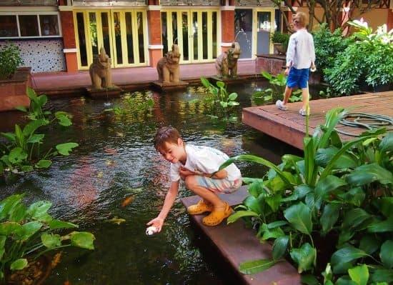 love Bangkok. Rambuttri village inn
