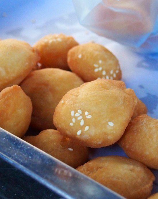 Street food luang prabang laos. Donuts.