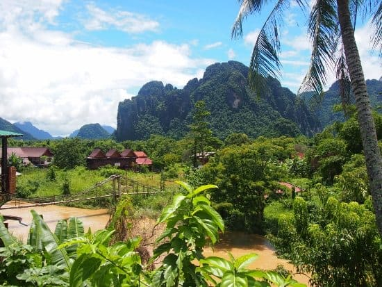 Take children to Vang Vieng Laos