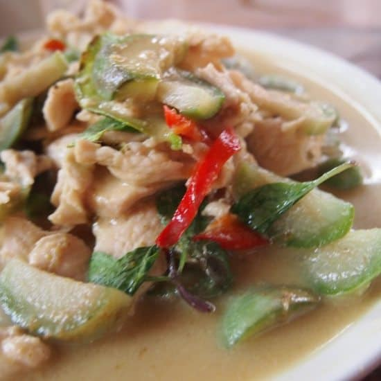 What is Thai food? Green curry. Thai food for beginners. Thailand