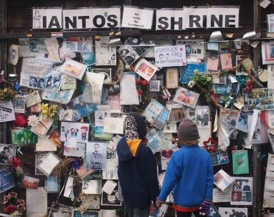 Cardiff Doctor Who Ianto's shrine