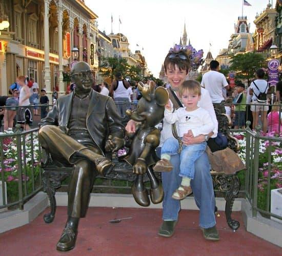 Beating the Queues at Disney. Main St USA