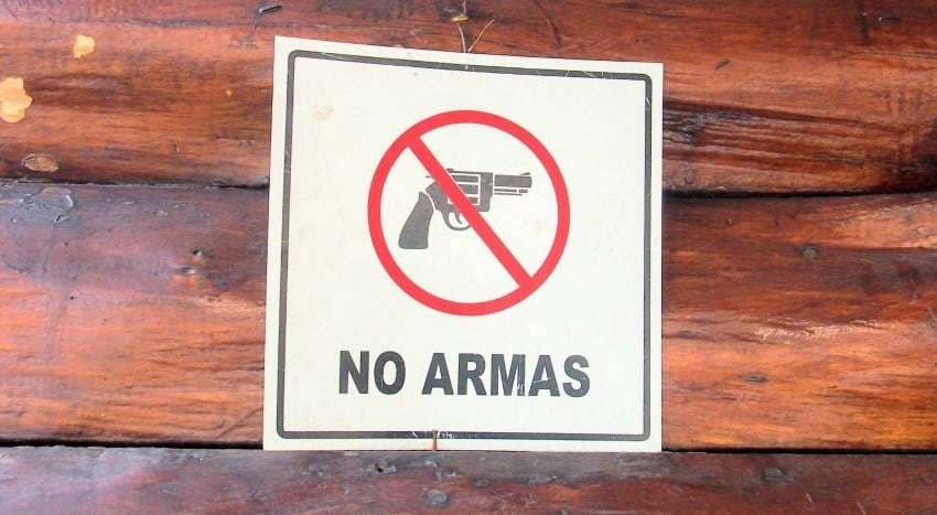 Guns in San Salvador, is it safe?