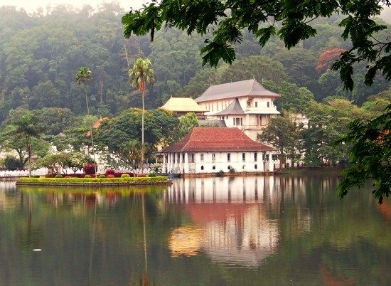Temple of the tooth Kandy Lake