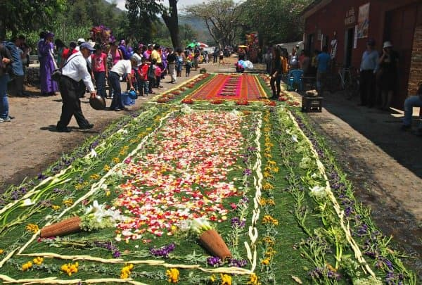 Flower and Sawdust carpet, Easter traditions, Guatemala