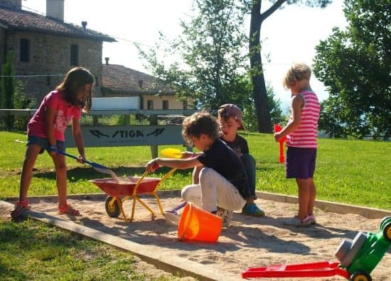Traveling homeschoolers. Socialization while traveling. child friendly villa in Italy