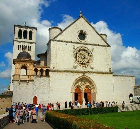 Basilica Assisi front Assisi tour