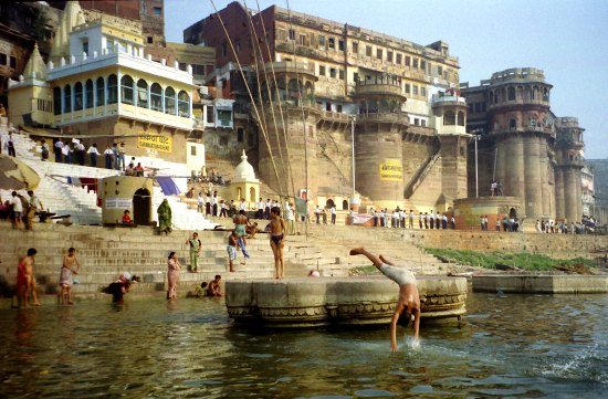 Varanassi India Ganges. 5 Unmissable Sites in North India for families.