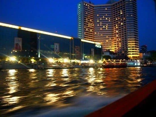 Bankok riverside. Best Family Hotels Bangkok