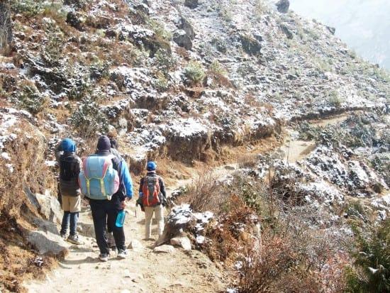"""尼泊尔与孩子们,加德满都与孩子们徒步旅行"""" class ="""" wp-image-24718"""