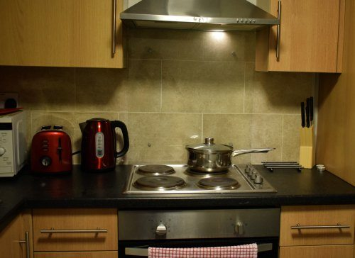 cheap family accommodation. Cardiff. Apartment near city centre
