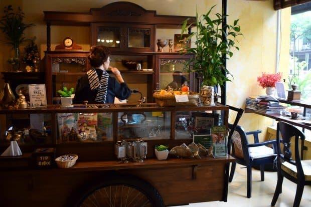 Bangkok Old Capital Bike Inn Reception 24 hour