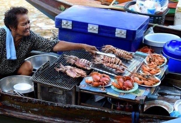 amphawa crab prawn