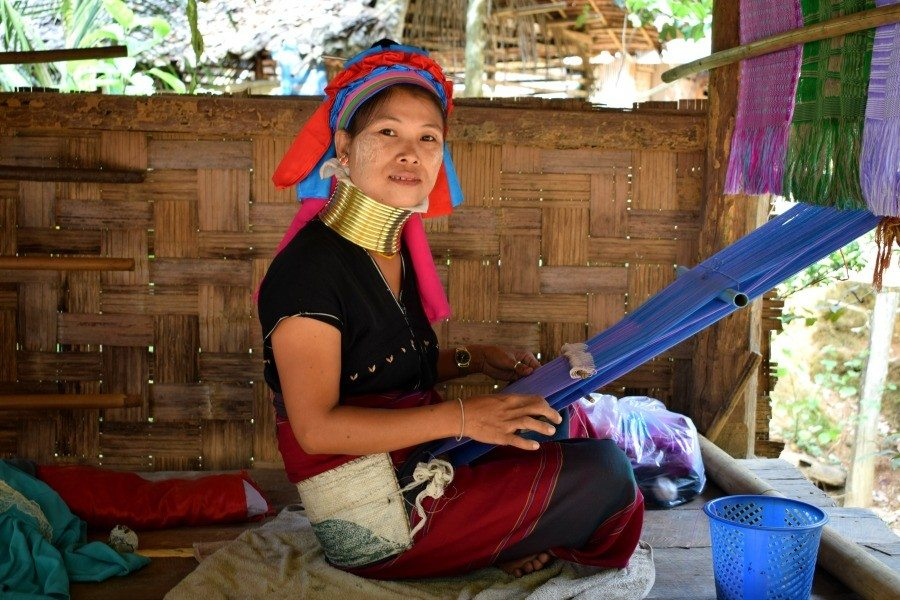 Long neck Karen Woman northern Thailand weaving
