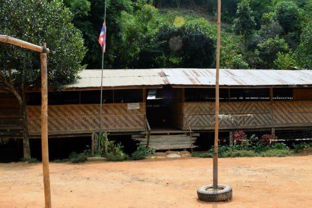 visiting-hill-tribes-thailand-village-school