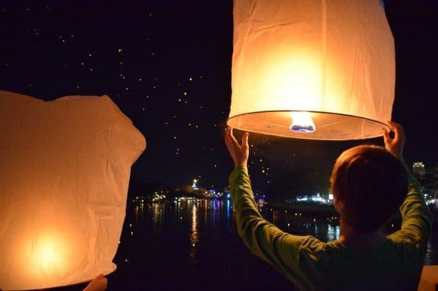 Chiang Mai lantern festivl loi krathong yi peng