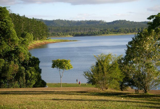 Lake Tinaroo Near Cairns