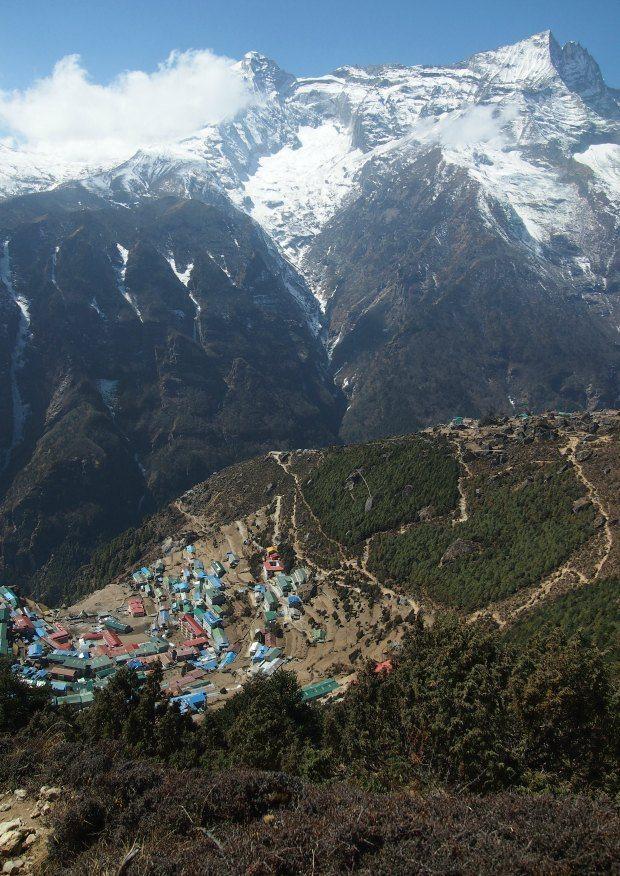 Khumjung to namche bazaar nepal