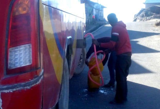 Fuel stop on the bus from Phaplu to Kathmandu