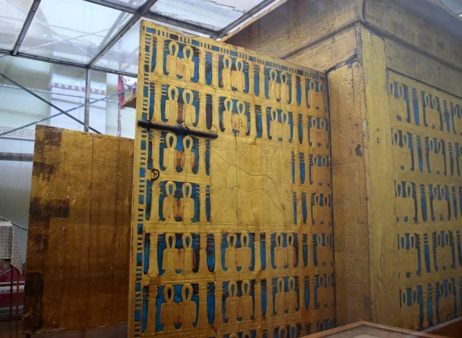 King Tut's mummy box