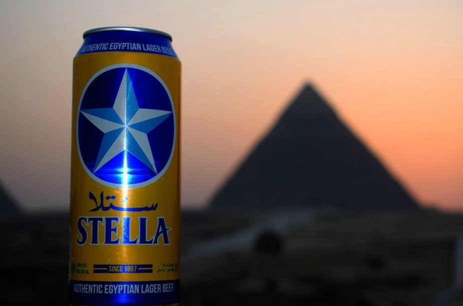 Getting a beer near the pyramids alcoholic drinks in egypt