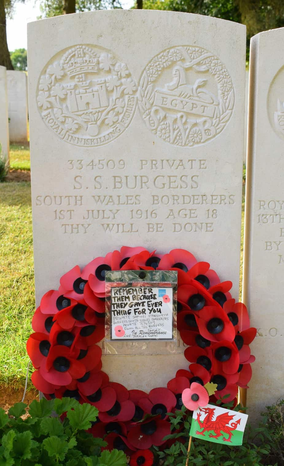 somme Wales Grave of Welsh soldier France World War 1