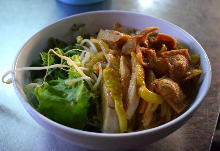 Hoi An Street Food. Central Market Cau Lau Breakfast