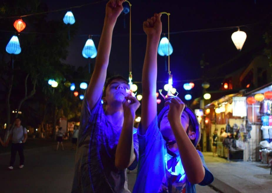Living in Hoi An the night market