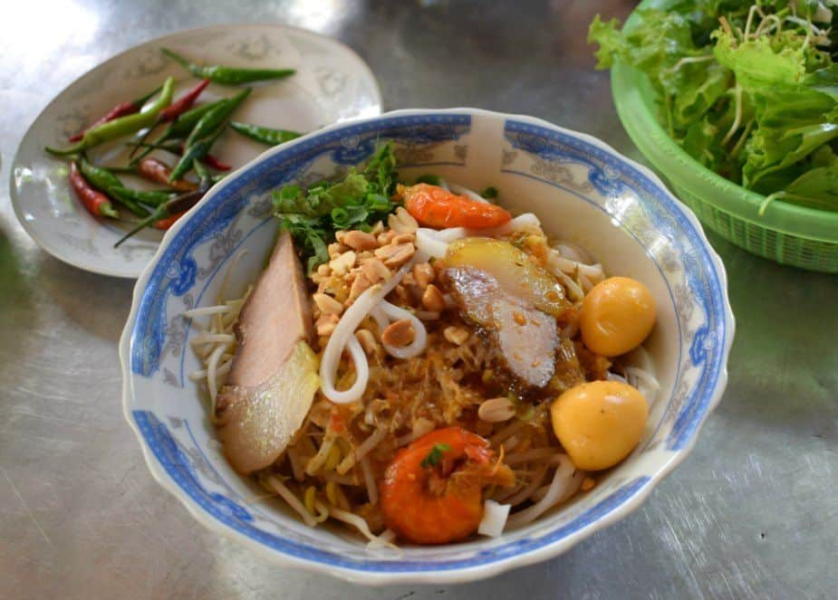 Mi Quang what to eat in Hoi An Vietnam