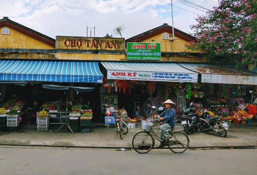 Tiger Market Hoi An Cho Tan An