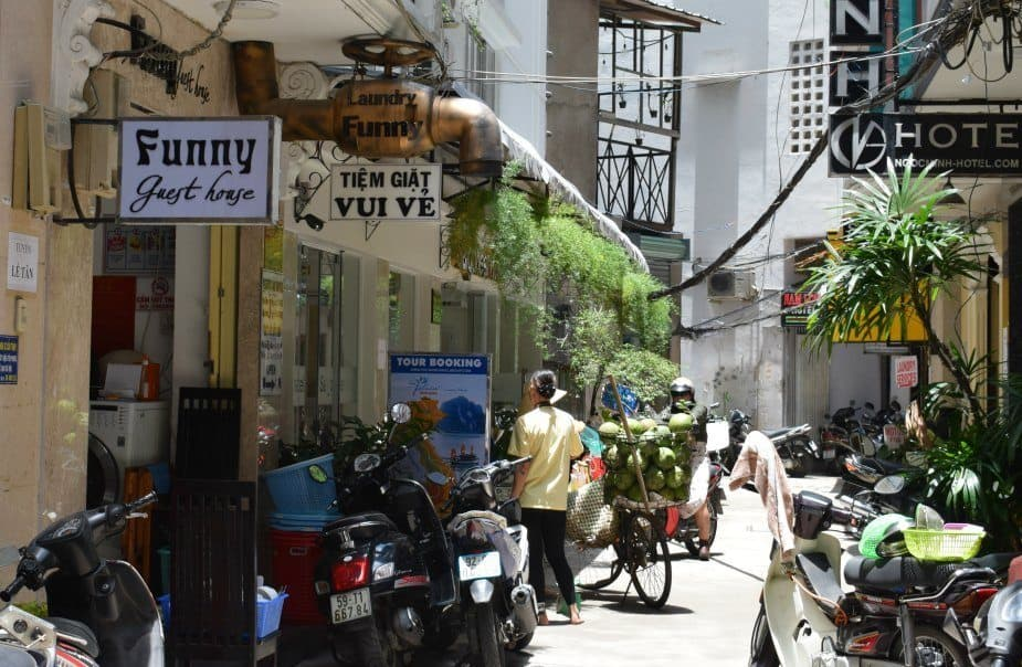 where to stay in saigon funny guest house phan lan 2