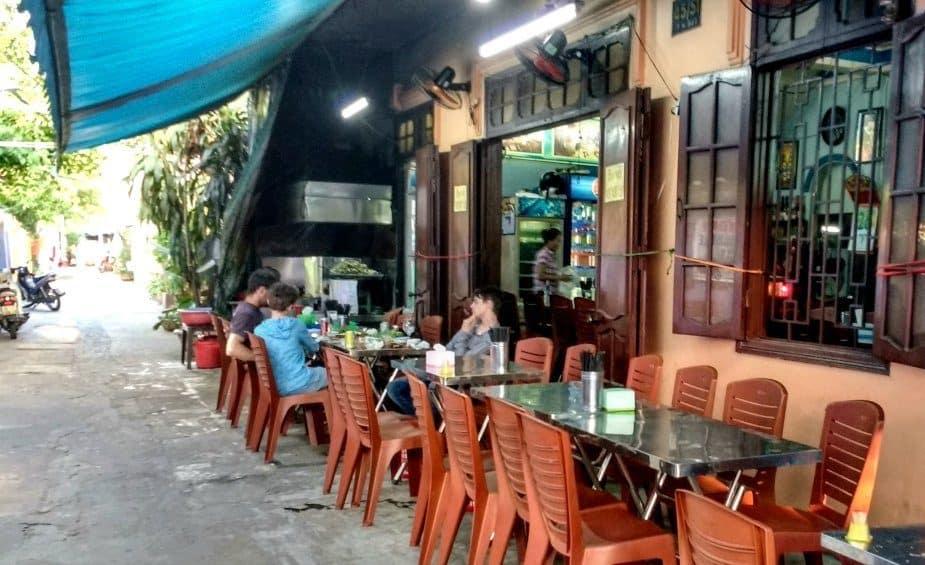 Ba Le Well restaurant Hoi An