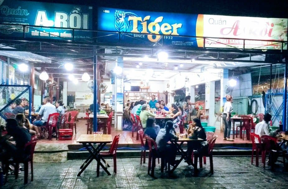 Best food in hoi an. Best seafood, where the locals eat, A Roi.