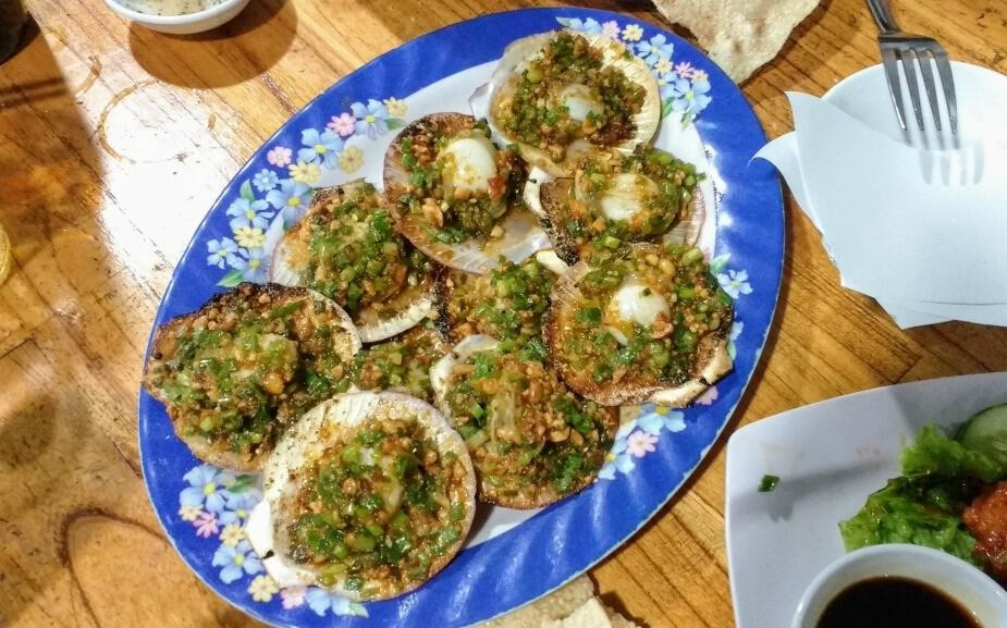 Best foods in hoi an grilled scallops