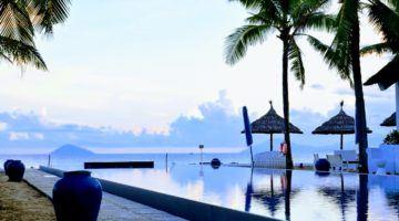 Vietnam Sunrise Resort Hoi An Infinity Pool.