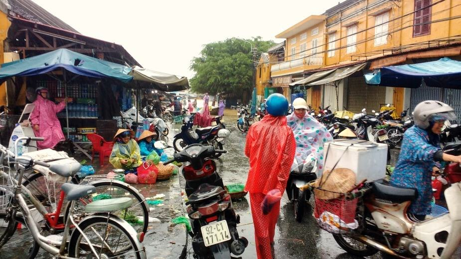 Hoi An Market still open in Flooding November 4th 2017
