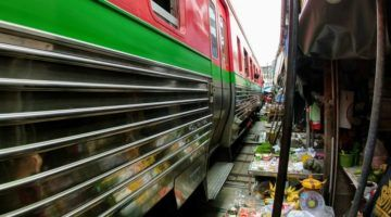 Maeklong Railway Market Guided Tour