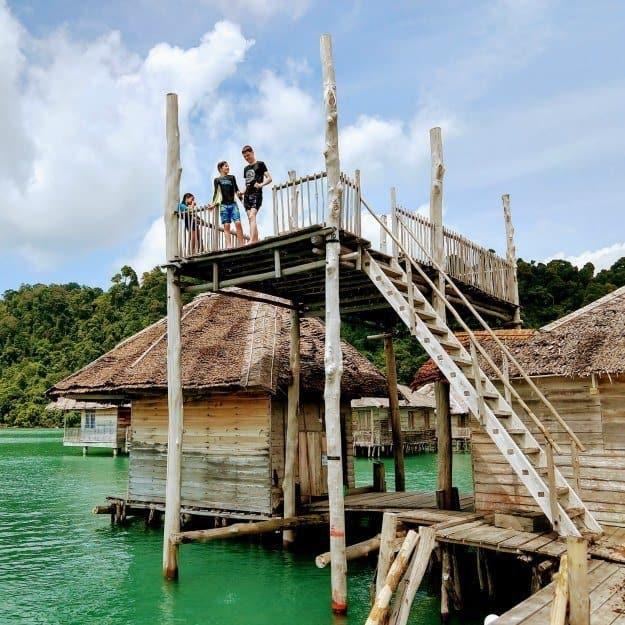 nomadic family travel life