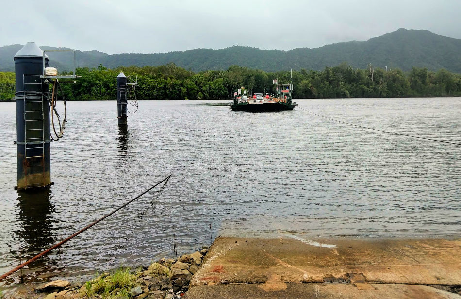 Daintree Ferry crosssing at Daintree River