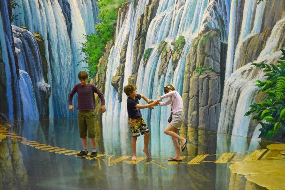 things for kids to do in South East Asia 3D Art Museum