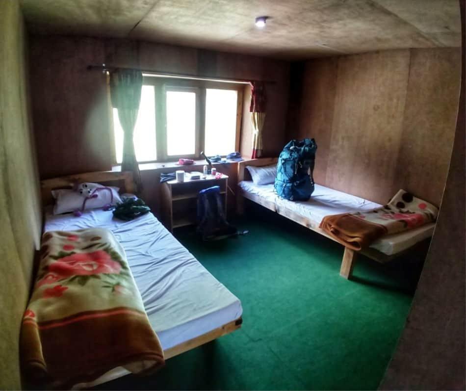 "珠穆朗玛峰大本营迷航茶馆的住宿"" class ="" wp-image-36536"" srcset ="" https://worldtravelfamily.com/wp-content/uploads/2018/10/Accommodation-on-the-Everest-Base- Camp-Trek-Tea-House.jpg 950w,https://worldtravelfamily.com/wp-content/uploads/2018/10/Accommodation-on-the-Everest-Base-Camp-Trek-Tea-House-300x252.jpg 300w,https://worldtravelfamily.com/wp-content/uploads/2018/10/Accommodation-on-the-Everest-Base-Camp-Trek-Tea-House-768x644.jpg 768w"" size =""(max-width :950px)100vw,950px"