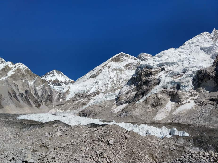 "Everest Base Camp Difficulty"" class ="" wp-image-36528"" srcset ="" https://worldtravelfamily.com/wp-content/uploads/2018/10/Everest-Base-Camp-Difficulty.jpg 925w,https:// worldtravelfamily.com/wp-content/uploads/2018/10/Everest-Base-Camp-Difficulty-300x225.jpg 300w,https://worldtravelfamily.com/wp-content/uploads/2018/10/Everest-Base-Camp -Difficulty-768x576.jpg 768w"" size =""(最大宽度:925px)100vw,925px"