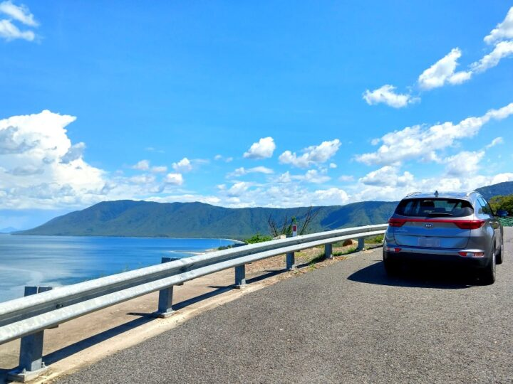 Cairns to Port Douglas Road Getting from Cairns to Port Douglas is a bit of a headache. Public transport, shuttle, car hire and airport transport options ( budget - luxury) Local guide