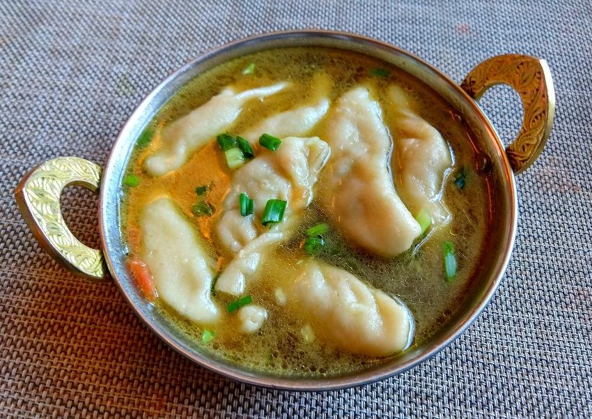 tibetan food momo soup