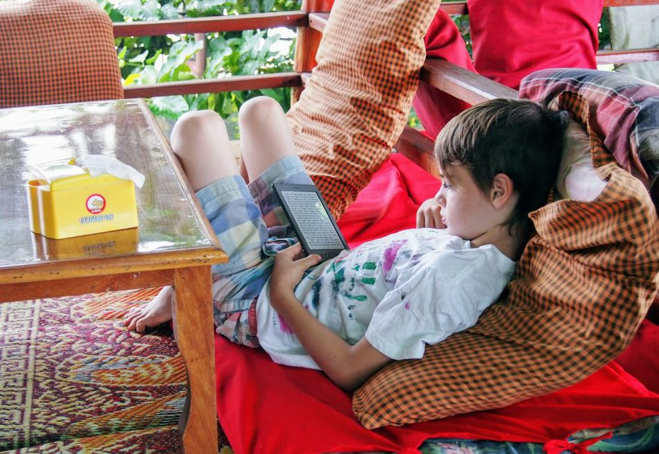 Best travel gear for family travel kindle e reader