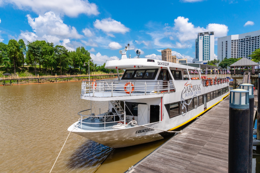 Luxury Boat cruise on the Sarawak River