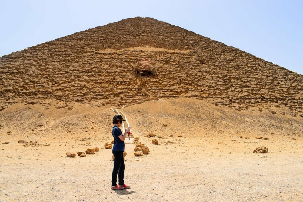 Egypt child with pyramid. Family Quiz Questions Egypt