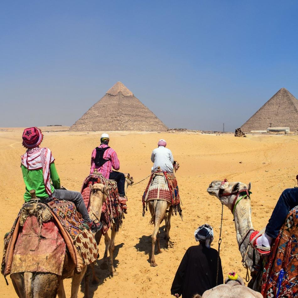 full time travel nomadic family